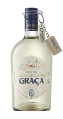 Graca with screwcap and cork keyring (LR)